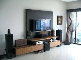 Decorating A Tv Wall Thrifty Decor Chick Tips For Around