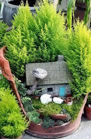 Broken pot fairy garden small garden ideas