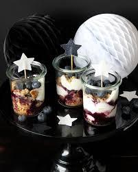 nobake joghurt törtchen mit blaubeeren im glas s