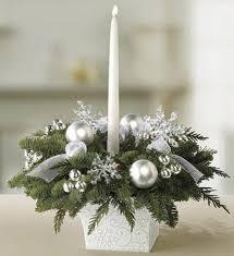 Winter wedding table centerpiece