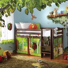Jungle Kids Bedroom Theme With Soft Rugs Wood High Bedding And Animal Wall Decor Awesome