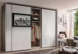 staud media flat kleiderschrank mit tv paneel glas weiß und mehr