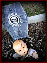 Scary Halloween Props Diy by 19 Super Easy Diy Outdoor Halloween Decorations That Look So