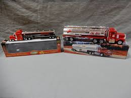 LOT OF 2 TEXACO COLLECTIBLE TOYS GEARBOX PETERBILT TANKER 1975 ... Toy Tractor Trailer Tanker Wood Truck Amazoncom Hess 1990 Colctable Toys Games Dropshipping For Kids Alloy 164 Scale Water Emulation Buy 1993 Mobil Limited Edition Collectors Series 132 Metallic Moedel With Plastic Tank For Pull Back 259pcs City Oil Gas Station Building Block Brick Man Tgs Tank Truck On Carousell Mobil Le 14 In Original Intertional Diecast Model With Pullback Action 1940s Tootsie Yellow Silver Sale Tanker Matchbox Erf Petrol No11a In 175 Series