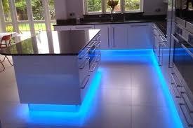 eclairage led cuisine plan travail led cuisine barrette led eclairage led 3 spots cuisine plan de