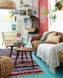 Coral Colored Decorative Accents by Best 25 Coral Accent Walls Ideas On Pinterest Coral Room