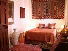 la chambre marocain maroc chambre riad rustique tadelakt et zellige marocain en