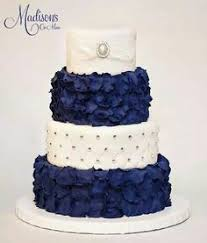 Beautiful Cake Rhinestones & Blue Petals Wedding Cake Blue Cakes Cakes With Jewels Colorful Cakes Wedding Cakes