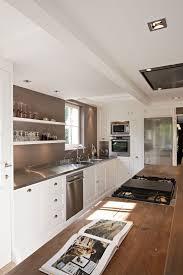 amenager une cuisine en longueur cuisine en longueur amenagement maison design bahbe com