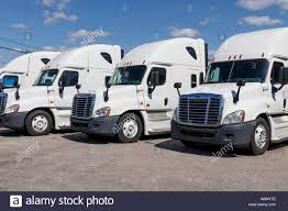 100 Used Freightliner Trucks Trucking Truck Stock Photos