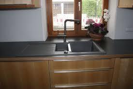 küche ahorn kirschbaum hpl arbeitsplatte grau edelstahl