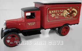 100 Bank Truck AnheuserBusch Series 03 1931 Hawkeye Sams Man Cave