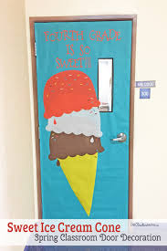 easy classroom door idea for spring onecreativemommy com