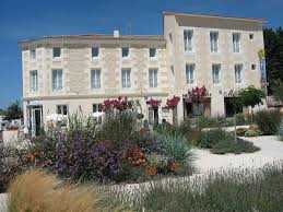 hotel le richelieu saujon booking
