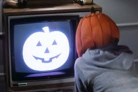Halloween Iii Season Of The Witch Cast by 10 Horror Movies That Should Be Remade Even If They Don U0027t Deserve