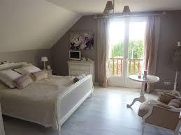 chambre blanc et taupe chambre romantique vieux et blanc déco d hier et d aujourdhui