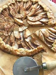 Welcoming Autumn With A Rustic Apple Crostata