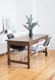 esszimmer minimalistisch vintage tisch stuhl mix eukalyptus