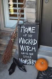 Diy Halloween Decorations Pinterest by Best 25 Halloween Witch Decorations Ideas On Pinterest Diy