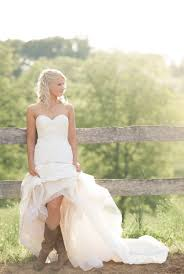 15 Gorgeous Wedding Dresses View More Photos