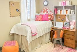 These Sites Are Great For Making A Dorm Room Look So Un Prison Like Decor Has Custom Headboards Storage Cubbies And All Sorts Of Other Good Finds To