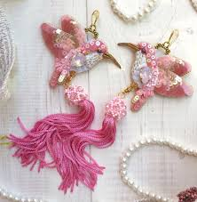 She Use In Her Work Swarovski And Glass Crystals Japanese Seed Beads Sequins Lace Birds Are Unique Look Like Real Ones