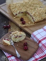 dänischer kirschkuchen mit haferstreuseln sanddorn seegras