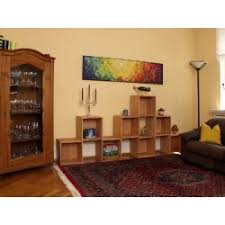 geräumiges wohnzimmerregal regalwand raumteiler