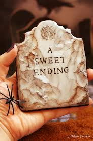 Halloween Tombstone Names by Get Inspired With Dolce Sentire Creepy Cracked Tombstone Cookie