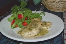 cuisiner des blancs de poulet recette de blancs de poulet aux herbes la recette facile