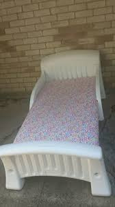 Cosco White Plastic Toddler Bed