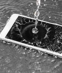 Sell Broken iPhones Including Cracked and Water Damaged Phones