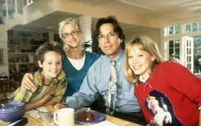 Lizzie Mcguire Halloween by Start Your Monday Off Right Hilary Duff Is Down For A U0027lizzie
