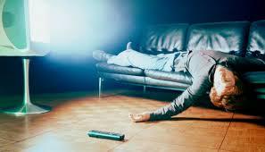 einschlafen vor dem fernseher wie schädlich ist es wirklich