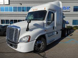 FREIGHTLINER TRUCKS FOR SALE IN MI