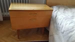 schlafzimmer 60er bett nachtkästchen und schrank
