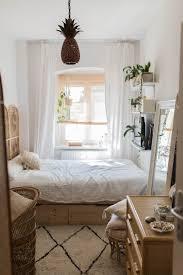 katzenbesitzer und ihr zuhause vintage vibes daheim bei