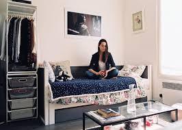 chambres de bonnes vivre dans une chambre de bonne à la déco de félicie le