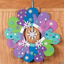 Make This Fun Foam Mitten Wreath Craft Kit Easy Winter Ideas For Teachers Spend Quality Time With Your Children Making These Crafts
