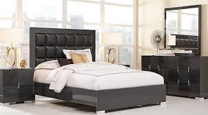Dominique Black 5 Pc Queen Panel Bedroom