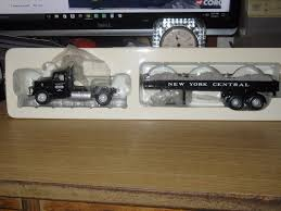 100 Gmc Transformer Truck Transformer Corgi Us50708 Mack Lj With Track Bed Load New York