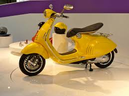 2013 Vespa 946 Official Video