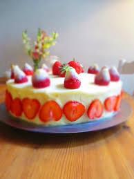 weiße schokolade erdbeer torte picture of eliza berlin