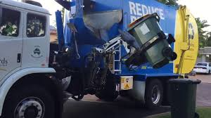 Gold Coast Recycle Garbage Truck 111I #1 - YouTube