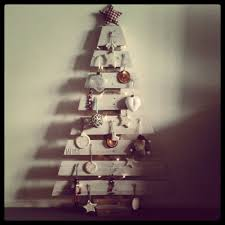Pallet Christmas Trees With Lights Wood Tree Instructionsdiy Instructionswood Instructionspallet