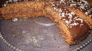 schoko nuss torte mit beerenfüllung