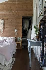 schlafzimmer im boho stil mit begehbaren bild kaufen
