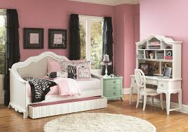 Vaughan Bassett Reflections Dresser by Bedroom Furniture At Lowes Pictures With Cool Daybed Dresser Set