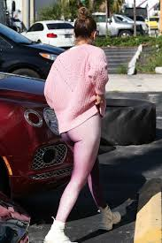 100 Four Seasons Miami Gym Jennifer Lopez Sports All Pink As She Arrives At The Gym In