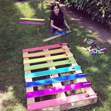 How To Make A DIY Upcycled Rainbow Pallet Flower Garden Planter